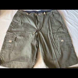 Women's green chino shorts size 13